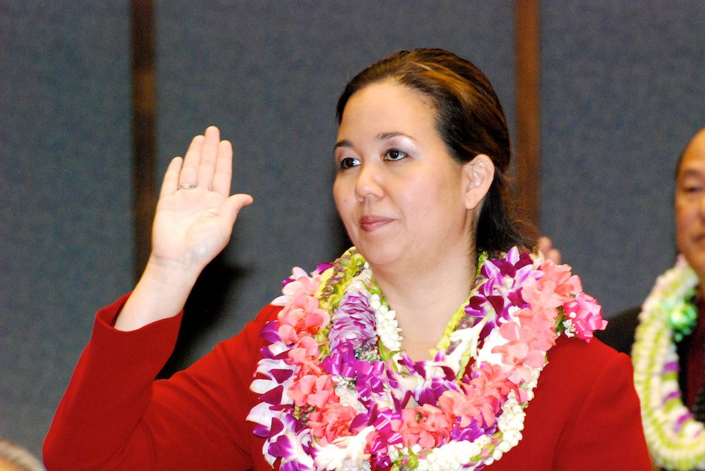 The Honolulu Star-Advertiser reports on efforts in the Hawaii State Senate to improve communications and transparency through social media. Featured is Cassandra Harris (@CassandraHarris), who last year conducted a study...